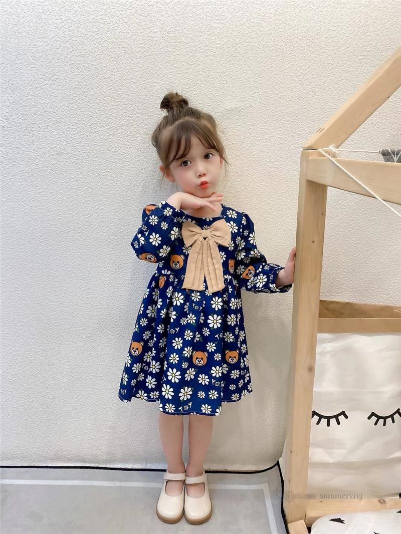 Diseñador Girls Bear Daisy Vestidos impresos 2021 Autumn Niños Big Bow Bow Manga larga Vestido Niños Cotton Plised Ropa A7227