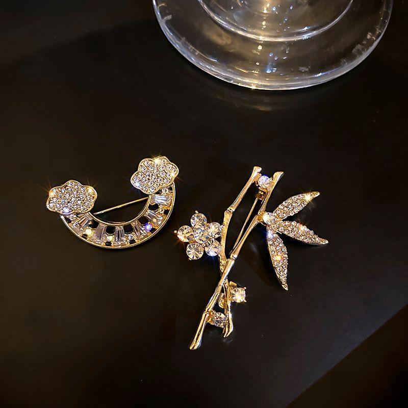 Fashion full of diamond Brooches Classic Shaped Women Designer Brooch Luxury Jewelry L-C25