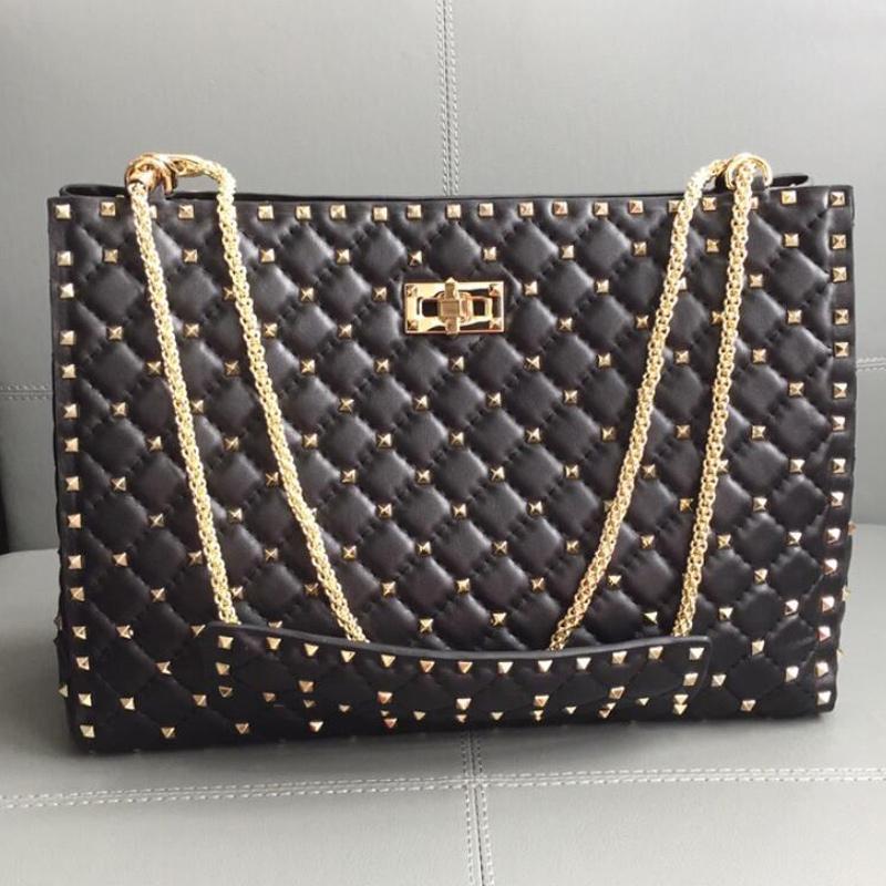 Rivet Tote Shopper Bag Handbags Large Capacity Shoulder Bags Sheepskin Genuine Leather Golden Nails Twist Hasp Fashion Letter Chain Handbag Purse Spike Totes