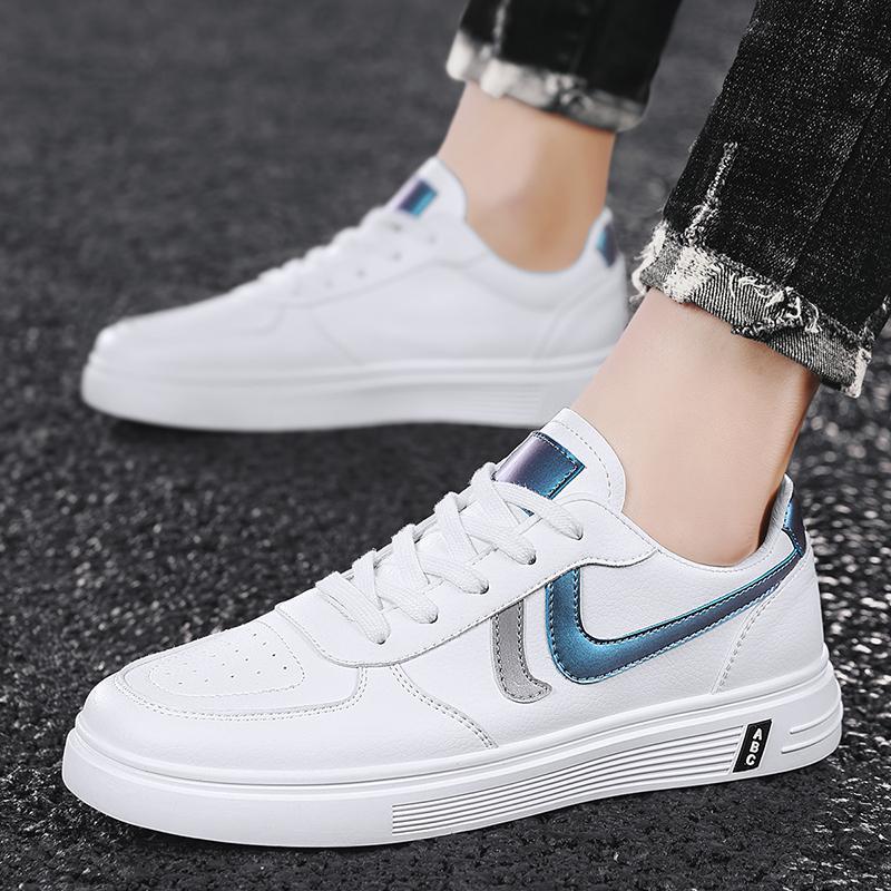 طالب زوجين عارضة أحذية بيضاء أزرق رمادي اللون مناسبة للنزهات في الهواء الطلق، والمساحة والعشب القيادة