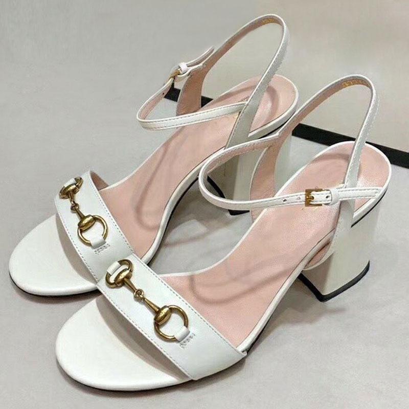 2021 Sandalias Diseñador de verano Zapatos de mujer de cuero Tacones altos de cuero Plataforma Hermosa mujer zapatos de boda grandes tamaño