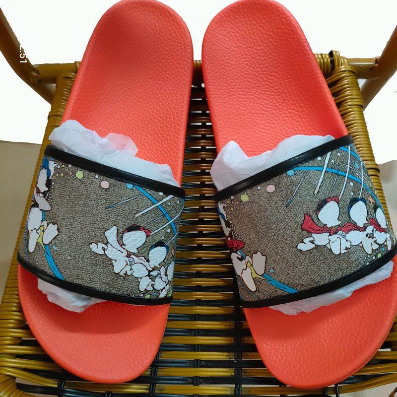Pantofole estive 2021 Donne Designer Fashion Diapositive piatte Flip Flops Men Luxurys Sandali da donna di alta qualità TPU Sildi Mens con scatola Dimensione 35-46