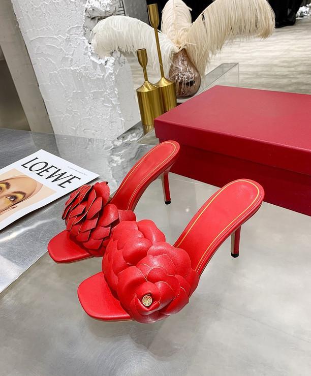 Fashion Women's Casual sandals Beach Petals slippers good quality high heels shoes female flip flops comfortable Sandal V2102