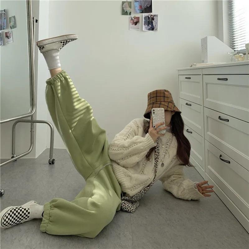 Otoño e invierno más terciopelo acolchado pantalones casuales 2021 suelto tamaño grande cintura pequeña mujer de moda capris