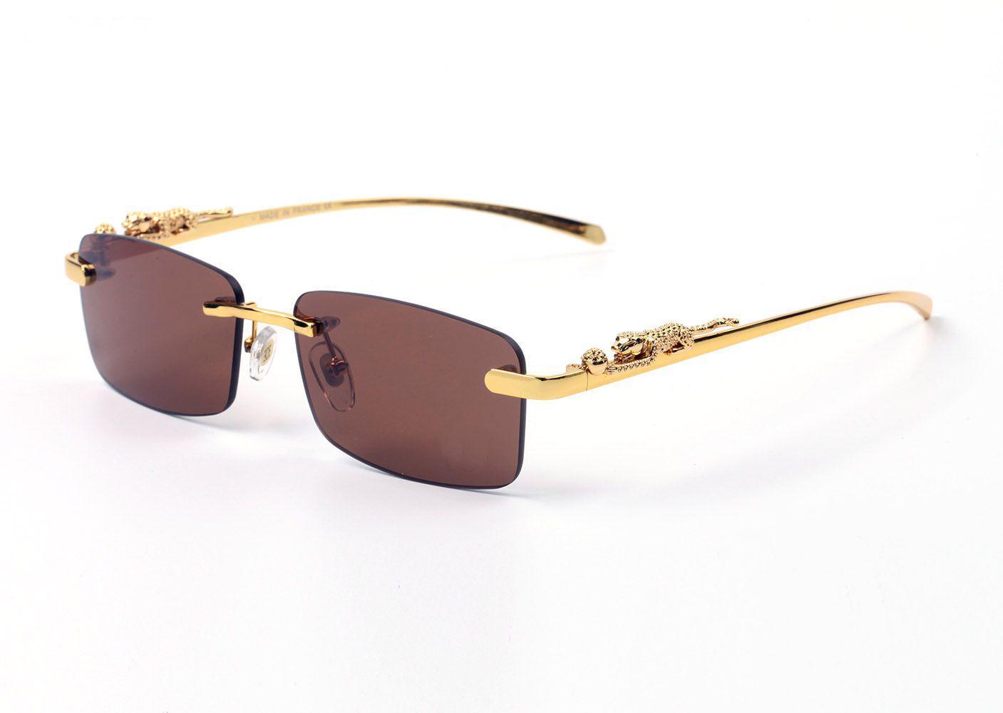 Tasarımcı Güneş Gözlüğü Erkekler Kadınlar için Gözlük Altın Metal Ahşap Kelimeler Çerçeve Gözlük Çerçevesiz Kahverengi Siyah Lensler Oyma Oyma Tapınaklar Lunettes de Soleil