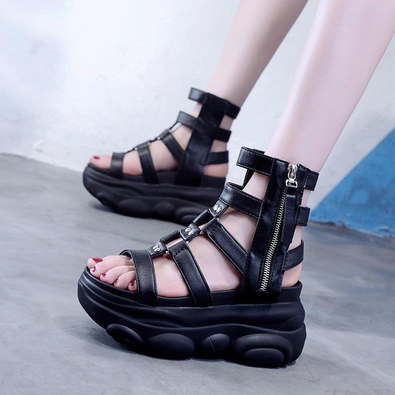 Dress Shoes Sandali da donna spessore 2021 Summer Fashion All-Matching Altezza Aumento della sottopiede Platform High-Top Roman