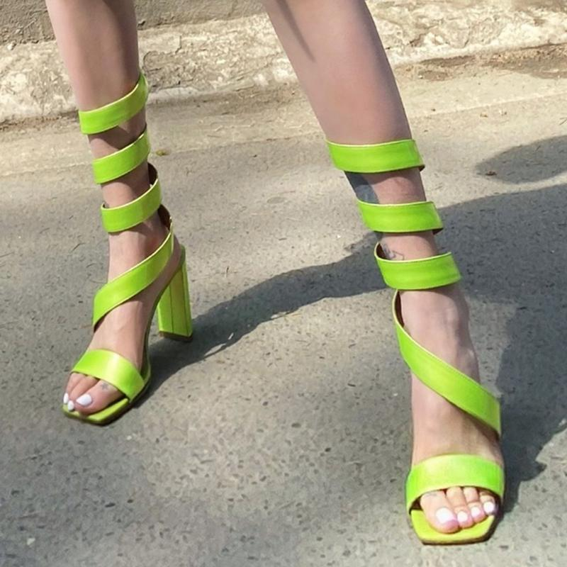 Elbise Ayakkabı Bayan Peep Toe Yılan S-Sapanlar Blok Yüksek Topuk Sandalet Roma Gladyatör Yeşil Yaz 3 Renkler 2021