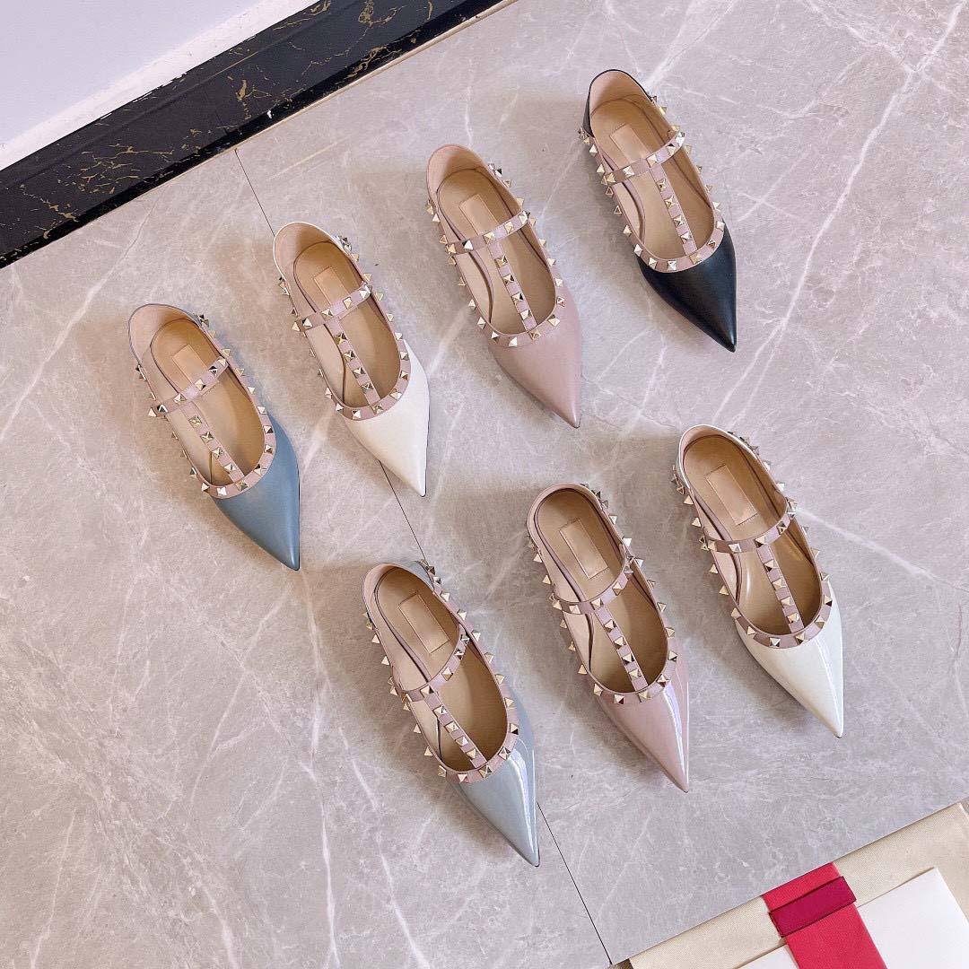 Moda Mulheres Sapatos Multicolor Designer Chinelos Sandálias Genuine Cowhide Sapata de couro com caixa de logotipo Flat Slipper