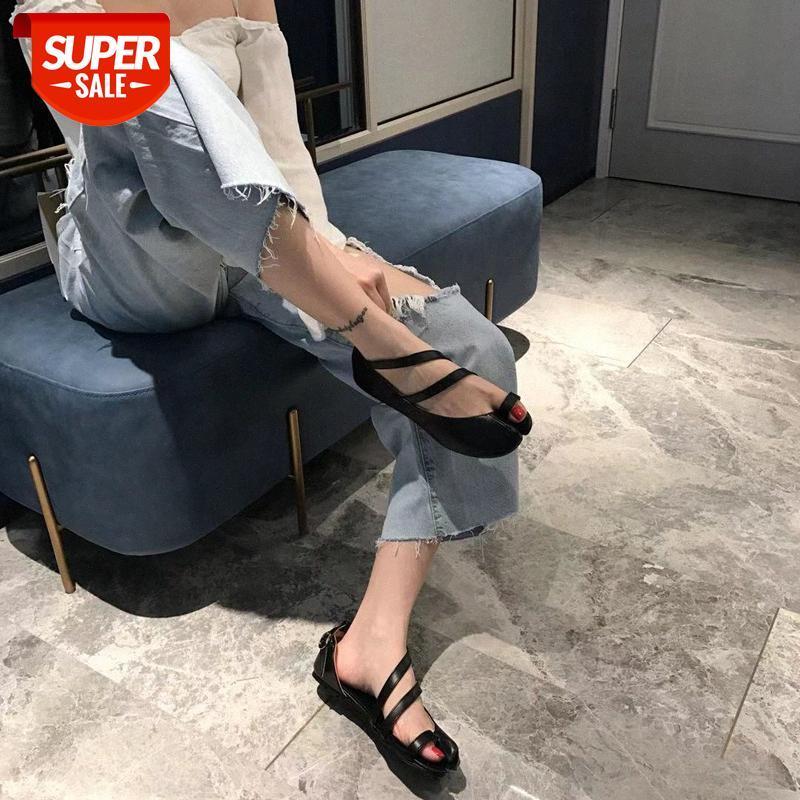 2021 Début Printemps Nouveau Cross Boucle Boucle Sandales plats Féminin Split-Toed Pig Ninja Pig's Trotters Flat-Heel Simple Single Chaussures # Cr6b