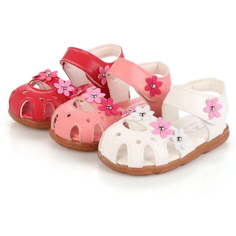 الصنادل 2021 الصيف أزياء الأطفال أحذية طفل الفتيات الاطفال بو الجلود زهرة مع قوس دعم بقرة العضلات وحيد