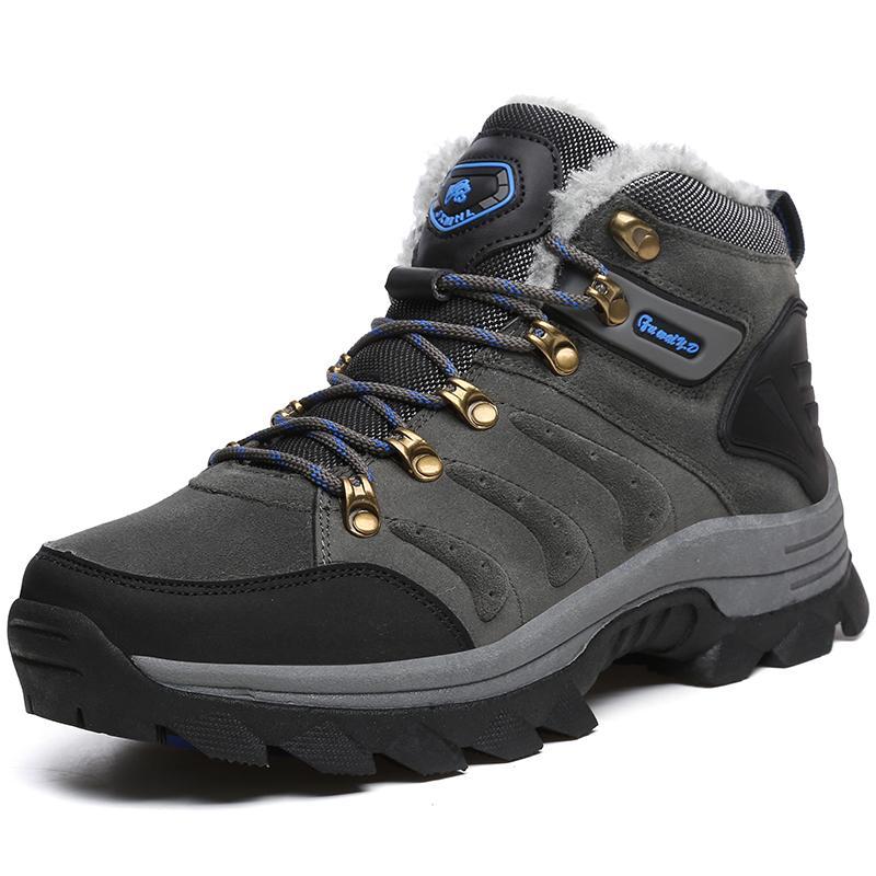 Large men's size snow boots