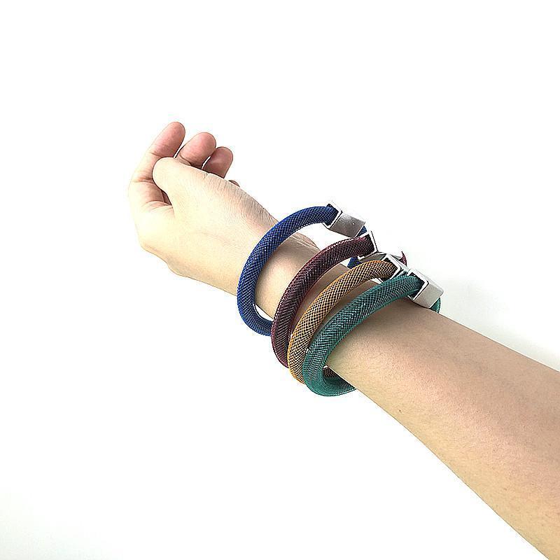 Ydydbz Stil Mesh Charms Armbänder für Frauen Mode Gothic Weiche Gummi Armreifen Nacht Party Damen Accessoires Charme