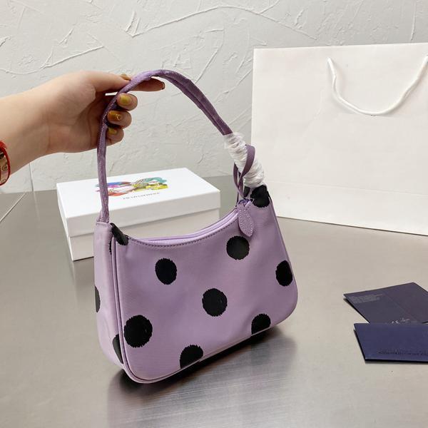 2021 حقيبة الكتف العلامة التجارية حقيبة الكتف المرأة أعلى جودة إعادة توتس النايلون حقيبة جلدية الأزياء الفاخرة حقيبة يد crossbody حجم 21 * 11 سم مع مربع