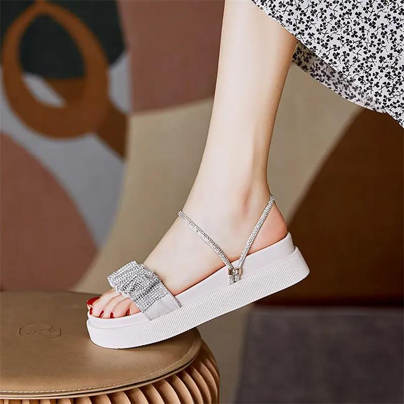 2021 Sommer Mode All Match Sandals Casual Damen Zwei Tragen Kleine duftende Wind Strass Plattform Schwarz Weiß Größe 35-40