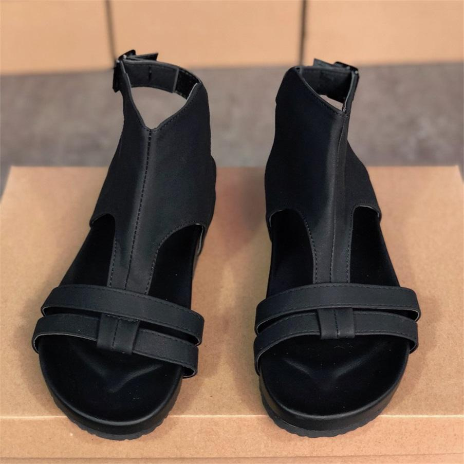 2021 المرأة مصمم صندل شقة الصندل الصيف شاطئ تقلبات جلدية الكاحل الصنادل الأسود الأحمر الأزياء شبشب الأحذية عارضة في الهواء الطلق حجم كبير W6