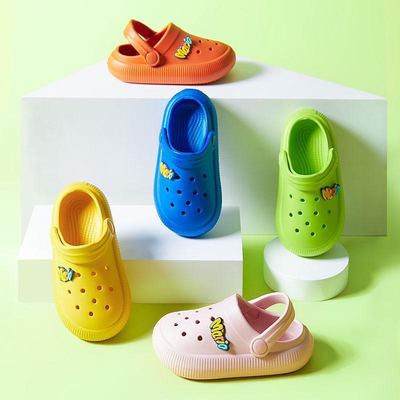 아이들을위한 어린이 슬리퍼 여름 에바 소프트 솔 편지 안티 미끄럼 솔리 단단한 귀여운 유아 실내 해변 신발 소년 2021 슬리퍼