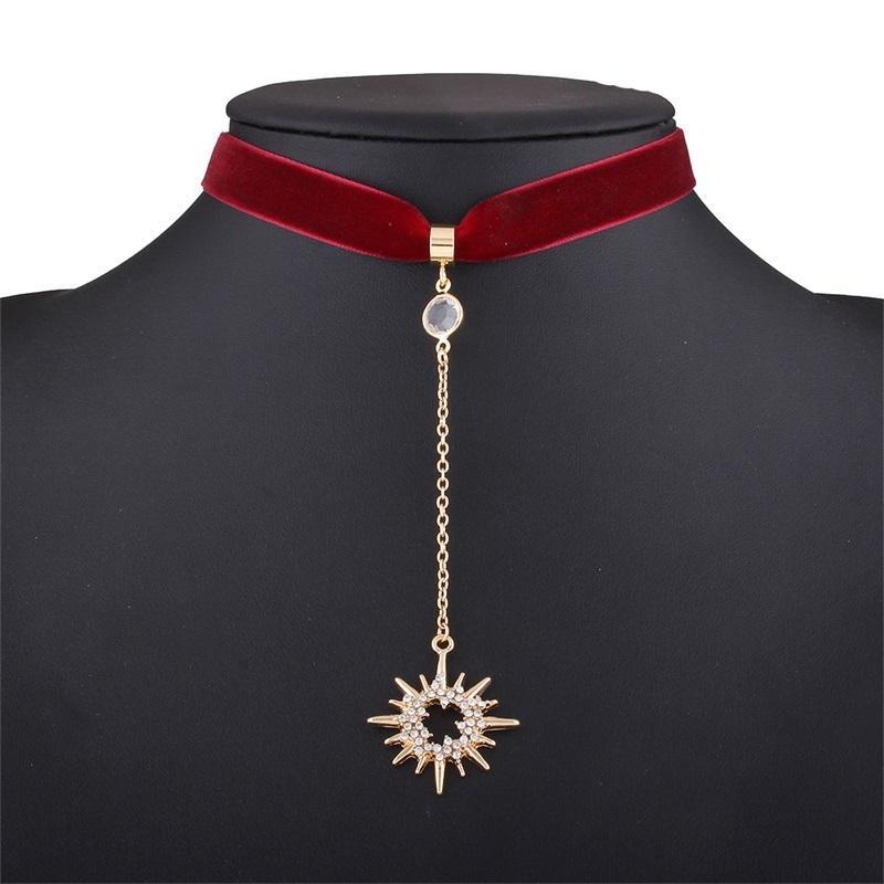 Ins Mond Zubehör Halskette Elegante Strass Halsketten Persönlichkeit Choker Halskette Mode Sun Halsketten Frauen Party Geschenk Schmuck 497 x2