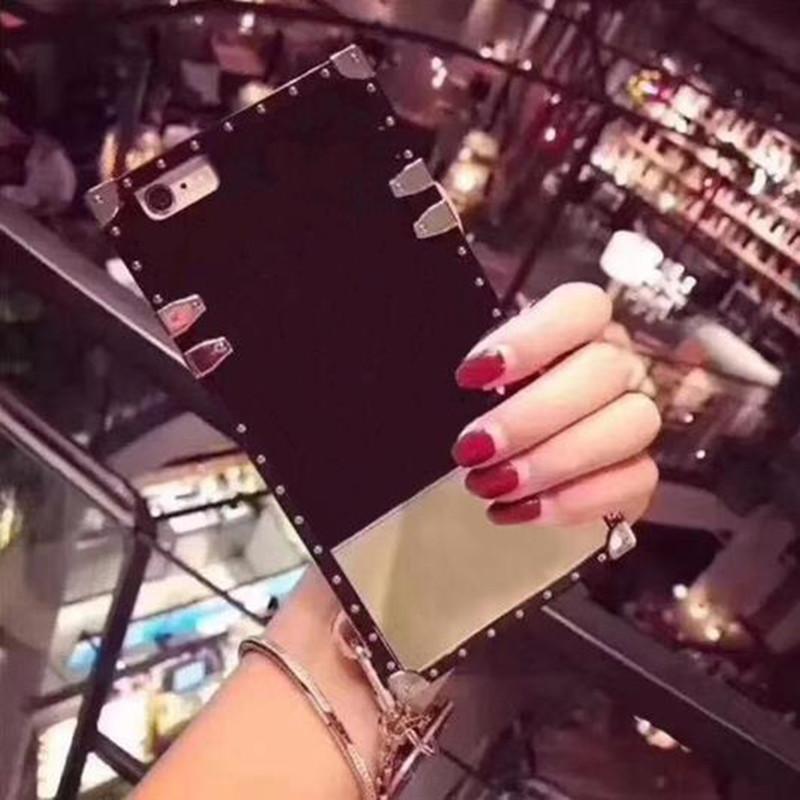 Custodie per telefono quadrato in rilievo classico di lusso per iPhone 12 Mini 11 Pro Max XS XR 7 8 Plus Designer Case Custodia protettiva