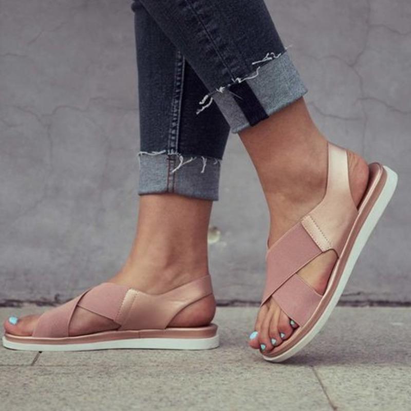 Sandalen mode flache boden frauen außerhalb strandschuhe 2021 sommer kreuzgebundener hintergurt offener zehe plus größe sandalias weiblich