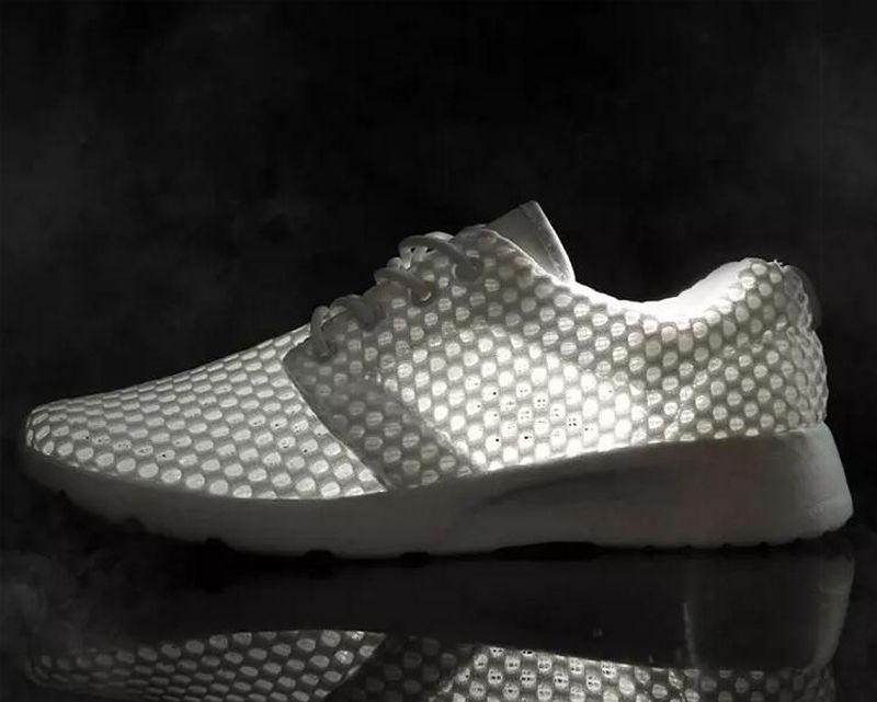 2021 رجل الجري الأحذية أزياء الصيف الأبيض الأسود جوفاء صافي الأحذية لمحبي المدربين تنفس الرياضة رياضة واحد