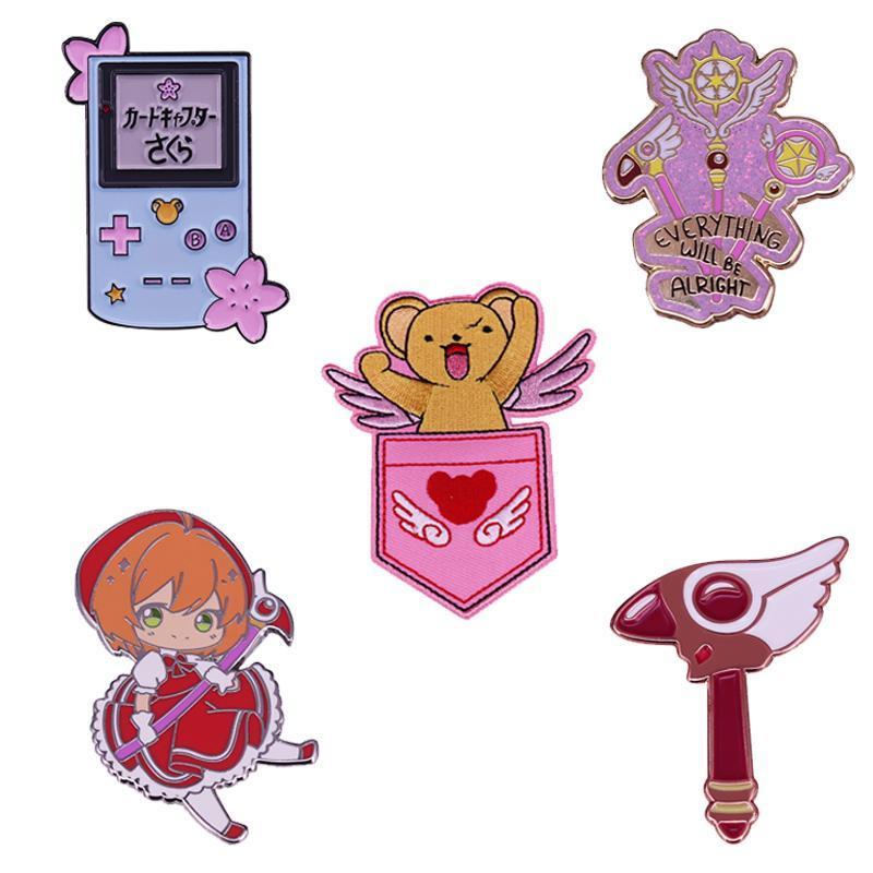 Pins, spille Classic Cartoon CardCaptor Sakura smalto Pin Kawaii Anime Girl Badge Patch Kero Chan Magic Wand Guarnizione Staff Gameboy Spilla