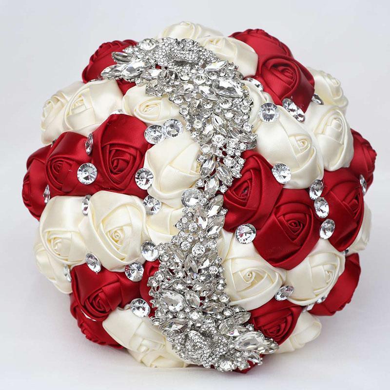 Dekorative Blumen Kränze Kundengerechte romantische Hochzeit Braut Brautjungfer Holding Bouquet Rosen mit Diamantband Valentinstag Mariag