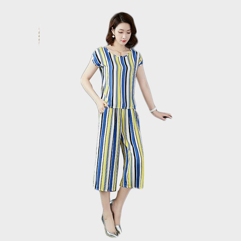 Producto de venta más vendida en 2021 Lady Ropa Set Verano Rayas de dos piezas Tamaño grande Edad Media Ropa Camiseta + Pantalones de pierna ancha Tracksui