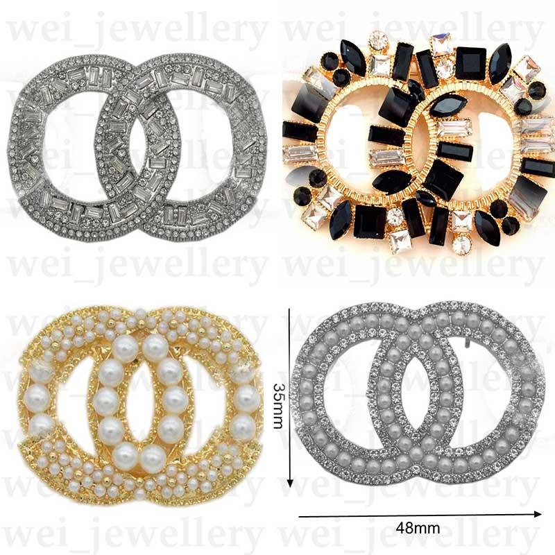 Offre spéciale Broche Broche de luxe Broches de luxe Perle C Lettre Broche Pinches Élégantes Mode Femmes Costume Bijoux de haute qualité