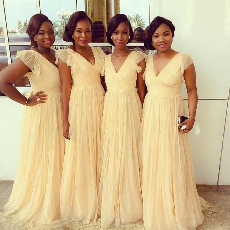 2021 Light Yellow Bridesmaid Dresses Chiffon v Neck Floor Length Ruffled Bridesmaid Formal Party Gowns Form Wedding Cheap Plus Size