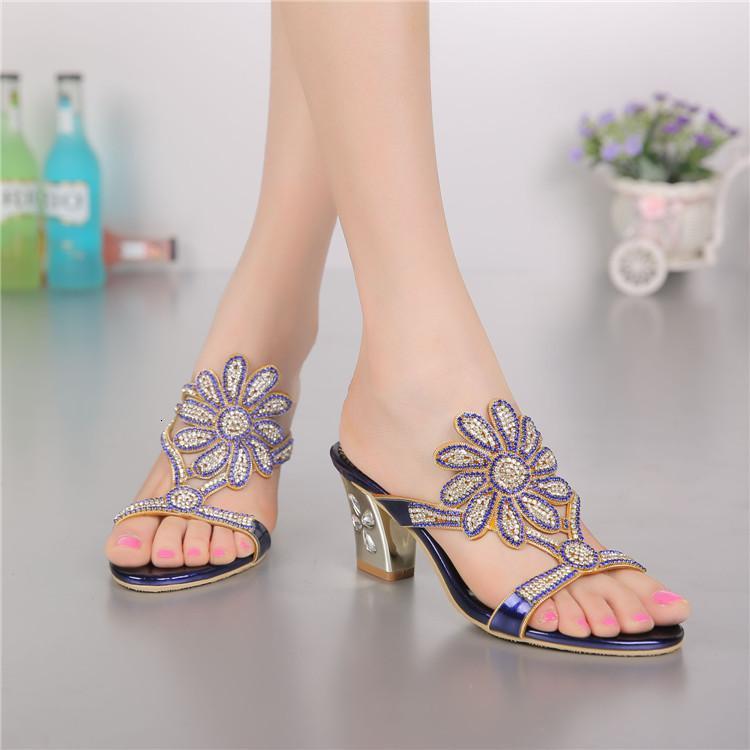 Terlik Renkli Bling Kadınlar Katır 2021 Yaz Rhinestone Slaytlar Sandalet Açık Toe Yüksek Topuklu Mor Ayakkabı Büyük Boy W0052 XTYC