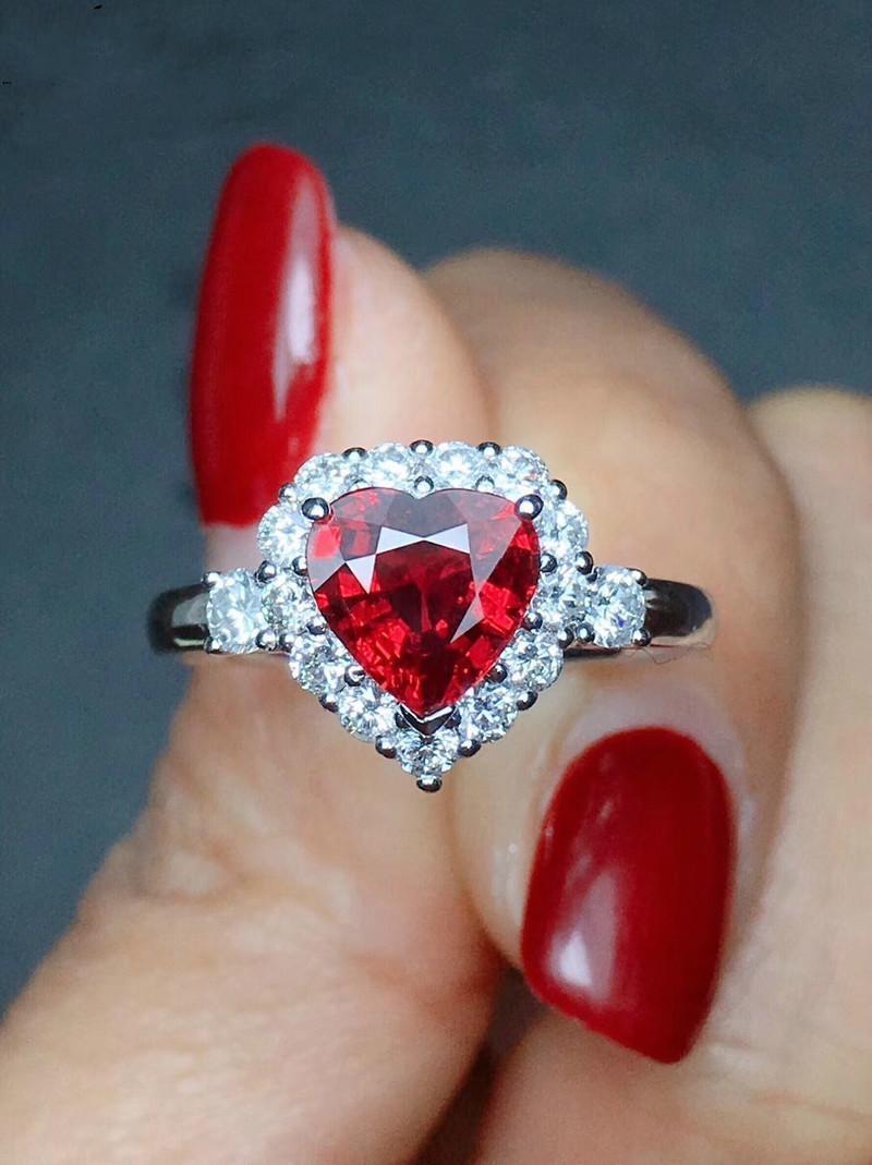 Garnetpersonality Ruby Red Color Zircon 925 Серебро Любовь Сердце Романтическое Кольцо Палец Для Женщин Свадебные Ювелирные Изделия Bague Y0426