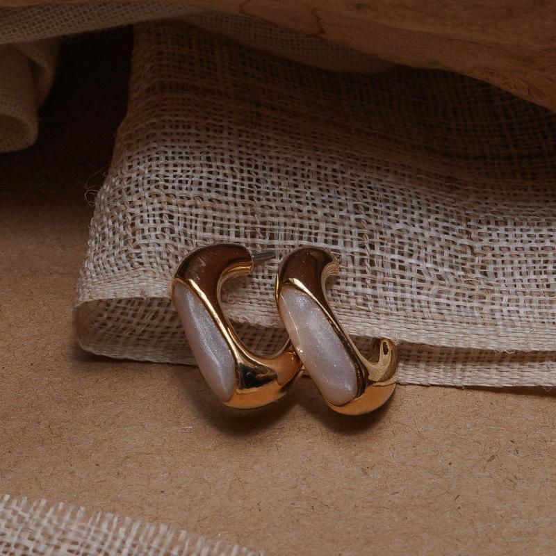 Huanzhi 2020 الكورية تصميم جديد هندسية صغيرة الراتنج المعادن الذهب وأقراط للنساء خمر نمط فتاة حزب مجوهرات هدية 1 1622 Q2