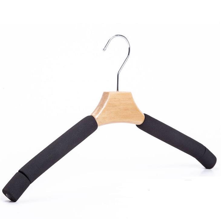 50 قطع الصلبة الخشب الشماعات بنطلون معطف الملابس شماعات للدعوى الإسفنج مبطن معاطف القمصان القماش حاملي GGA5031