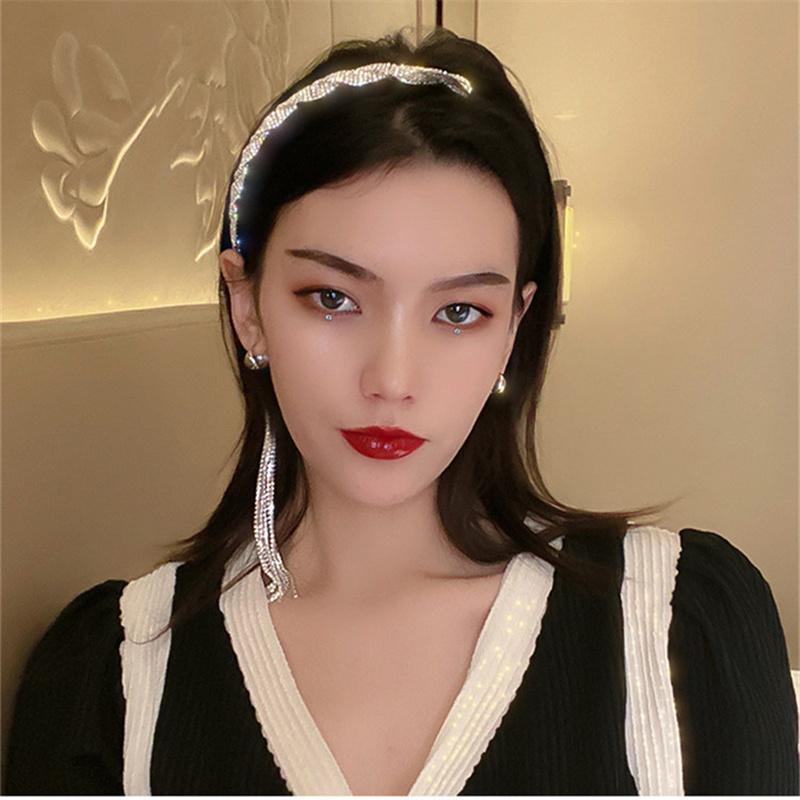 Estilo largo tassel asimetría diambrenes de diamantes de imitación para las mujeres Black Velvet Hairclip Bodas Accesorios para el cabello Joyería Clips Barrettes