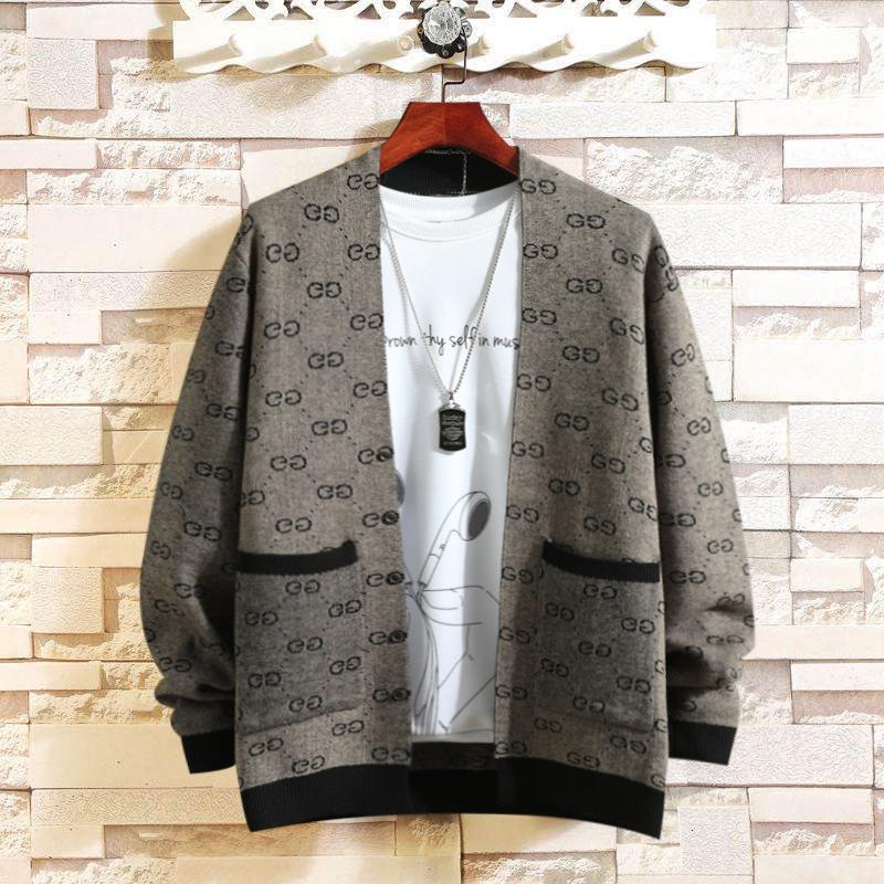 2021 Spring Men Punto Cardigan Fashion Coat Sweater delgado Desgaste de los hombres