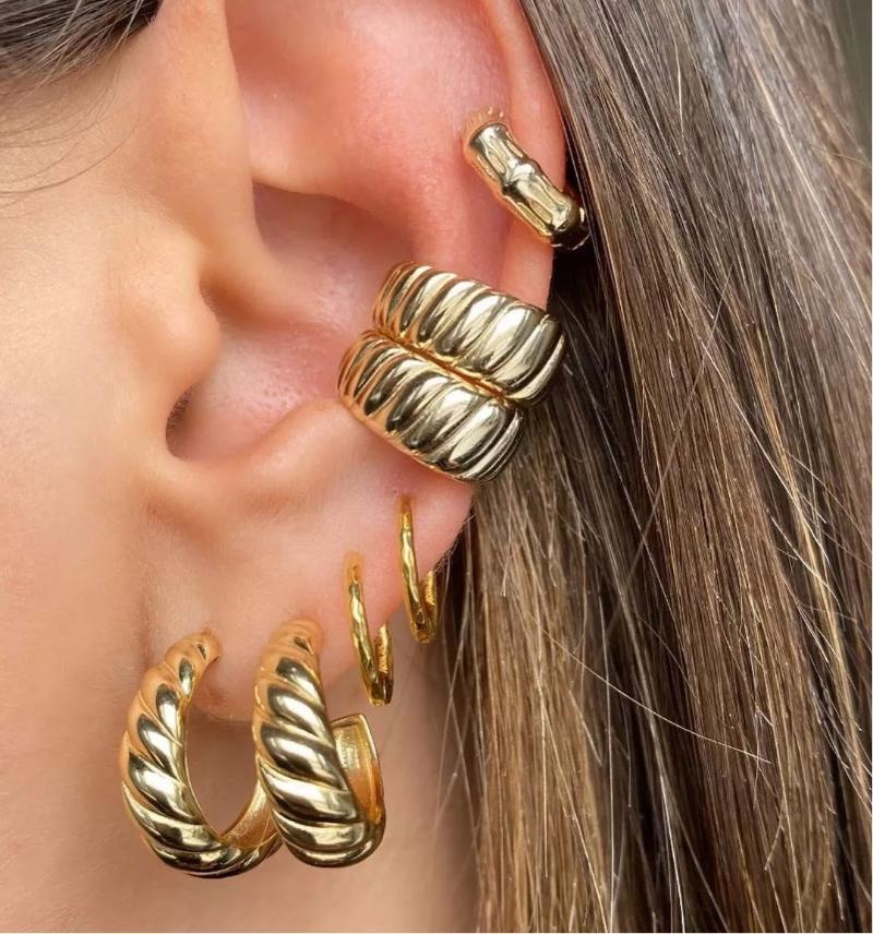 Cool Gold Petite cerceau Boucles d'oreilles Simple Tour Style Dainty Bijoux pour femmes Mariage / Fête Cadeau Huggie