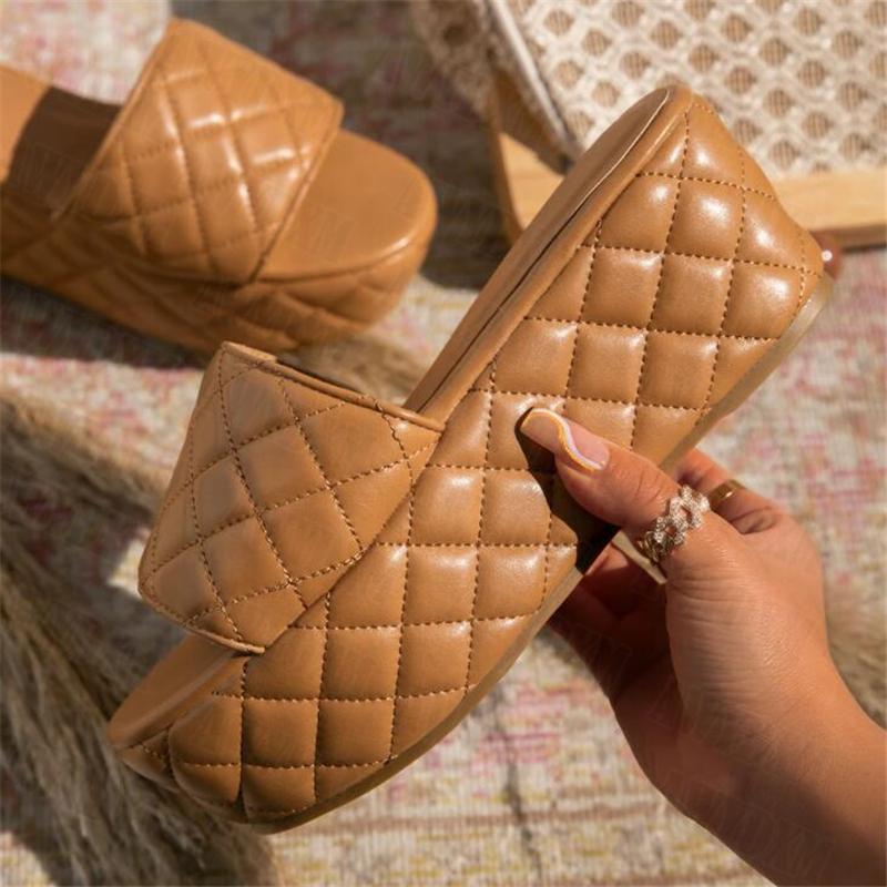 منصة النعال المرأة 2021 الصيف أحذية النساء إسفين عارضة صندل سميكة أسفل الكعب الإناث الوجه يتخبط الشرائح