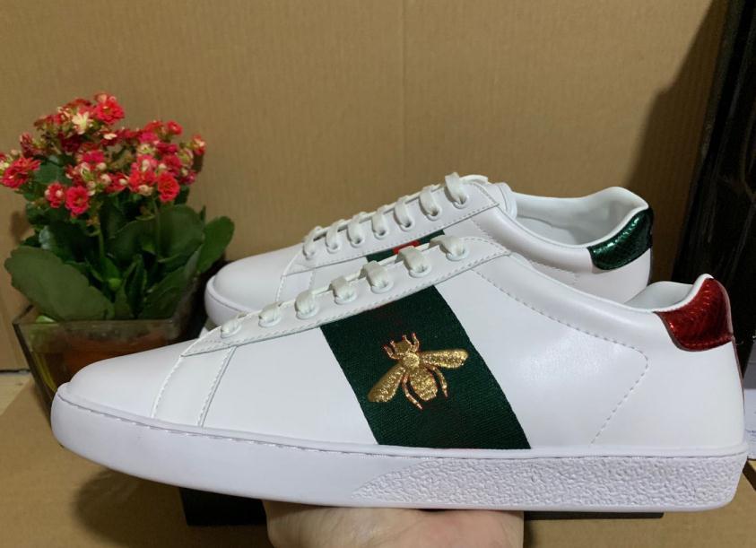 40٪ خصم إيطاليا النحل عارضة أحذية للرجال ايس ماركة مصممي النساء الصيف الأزياء 2021 جلد خارجي رياضة دروبشيب مصنع بيع هدايا مجانية على الانترنت