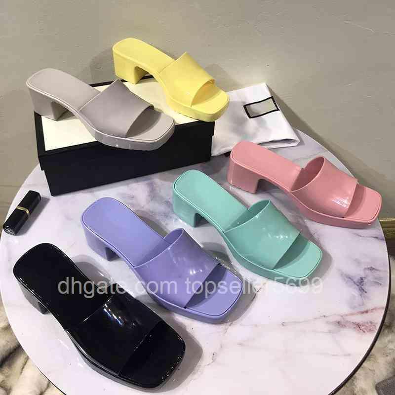 Brand Woman Slipper Top Quality Designer Senhora Sandálias Verão Moda Jelly Slide High Heavick Slippers Luxo Casual Sapatos Mulheres Couro