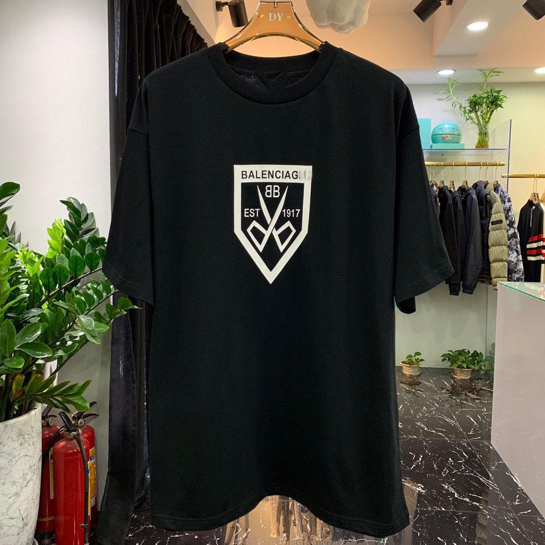 Marka Moda 2021 Yaz Paris Makas Mektup Baskı Kısa Kollu T-shirt Erkekler ve Kadınlar Için Gevşek Yuvarlak Boyun Casual Yarım Kollu R5TQ