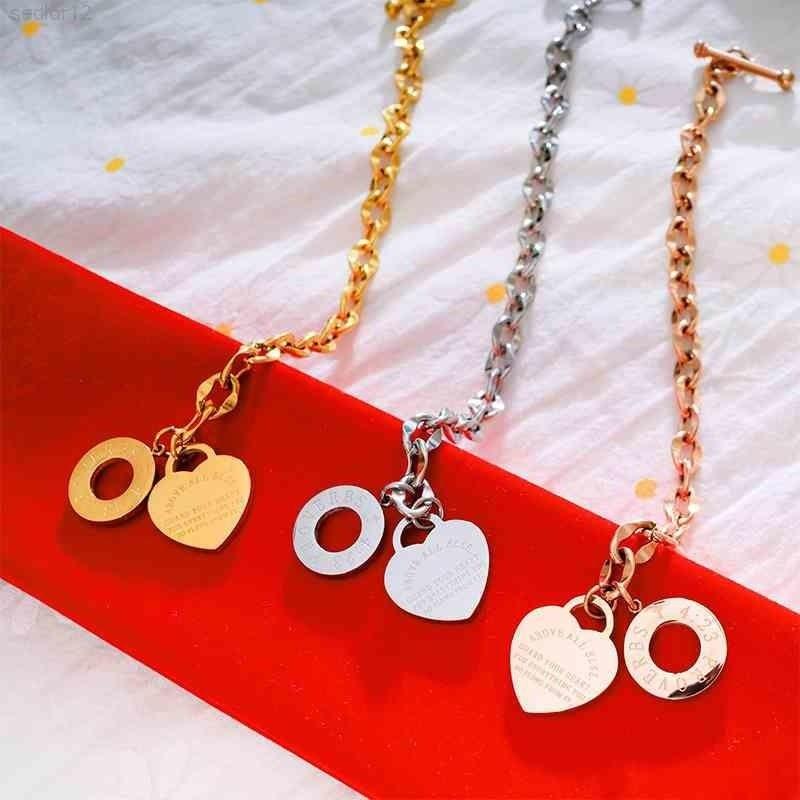 여성을위한 팔찌 o 매력 사랑의 마음 팔찌 스테인레스 스틸 티타늄 강철 레이디 쥬얼리 여자 친구 선물 3 가지 색상 사용 가능