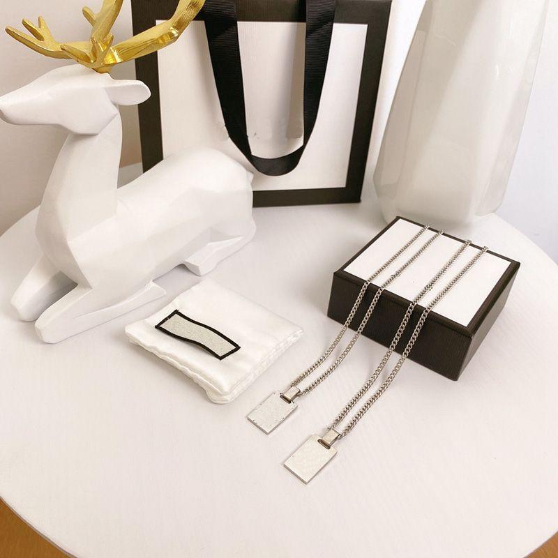Collier de mode Pendentif de luxe Colliers de luxe Bracelet pour homme Femmes Designer Bijoux Bracelets avec boîte de canal