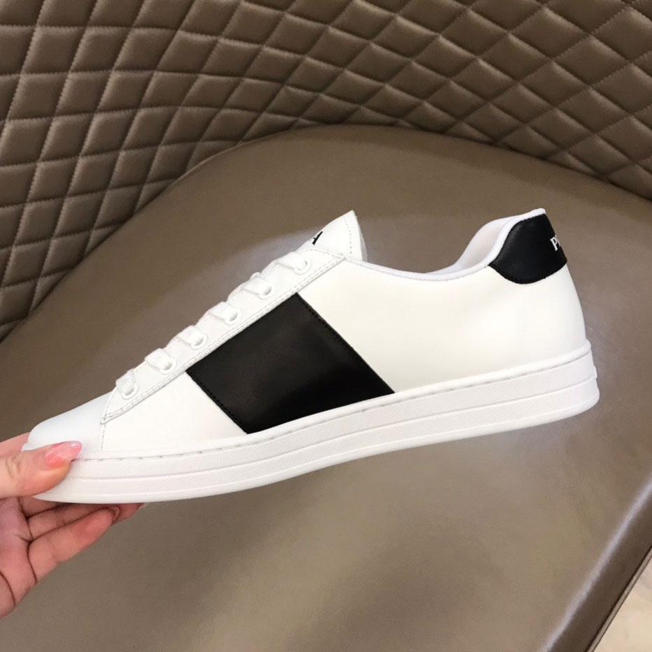 45٪ خصم كبير 2021 بيع شعبية الأحذية الرياضية عارضة جودة العلامة التجارية شقة مريحة متعددة الاستخدامات للجنسين للرجال النساء مع المربع الأصلي