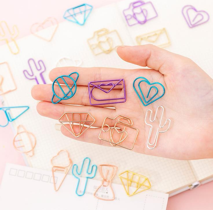 10pcs Creative Hollow Paper Clip Set Gold Cute Bookmark Clips Color Office Supplies Student DIY Hand Account Accessory SN2152