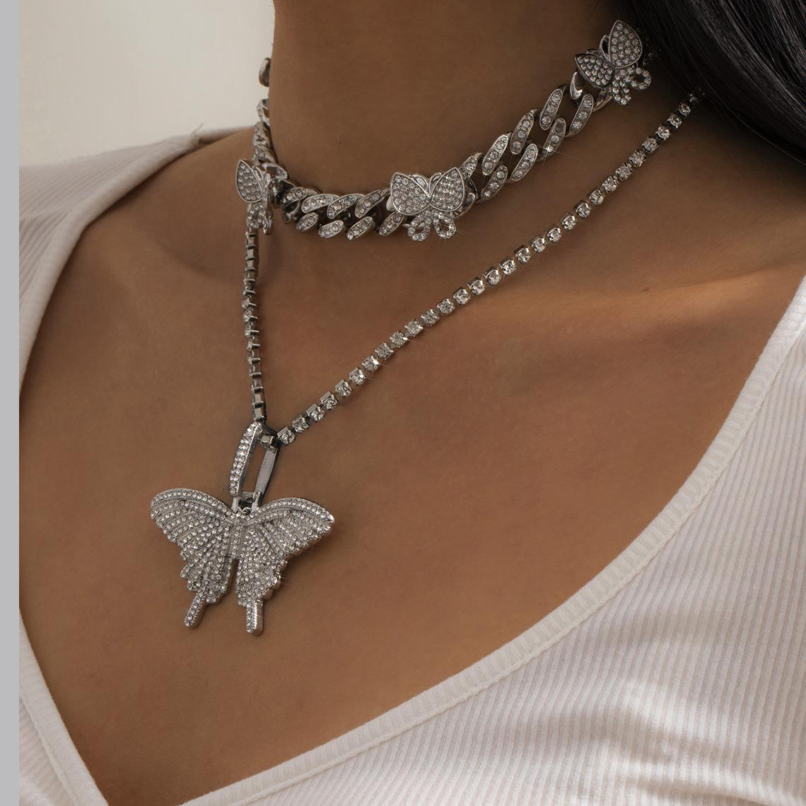 Um conjunto strass luxo mulheres borboleta colares de ouro prata animal pingente pingente choragem moda colar de jóias presentes para meninas