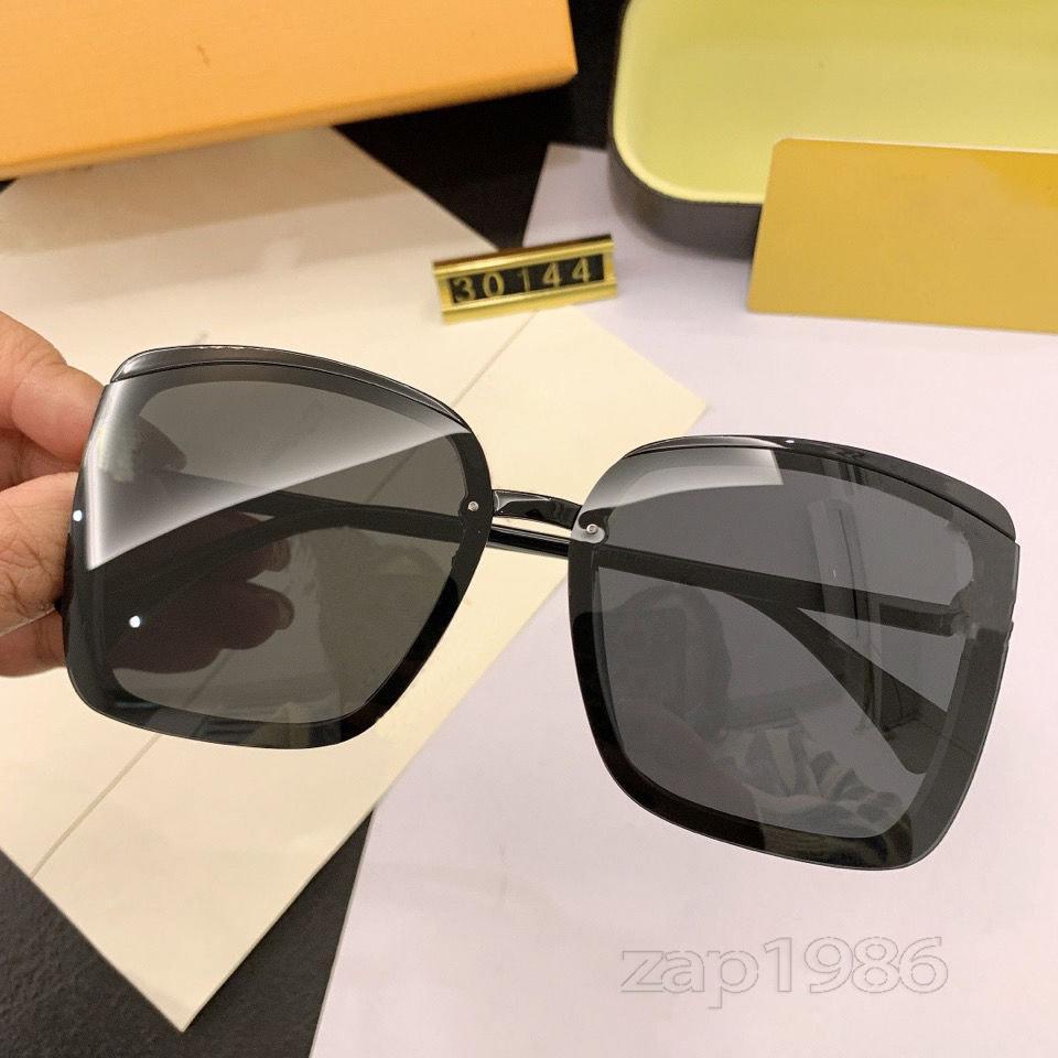 Yüksek Kaliteli Tam Çerçeve Moda Tasarımcısı Güneş Gözlüğü Büyük Kare Erkekler Ve Kadınlar Casual Renk Bayanlar UV400 Lensler Gözleriyle Koruyabilir