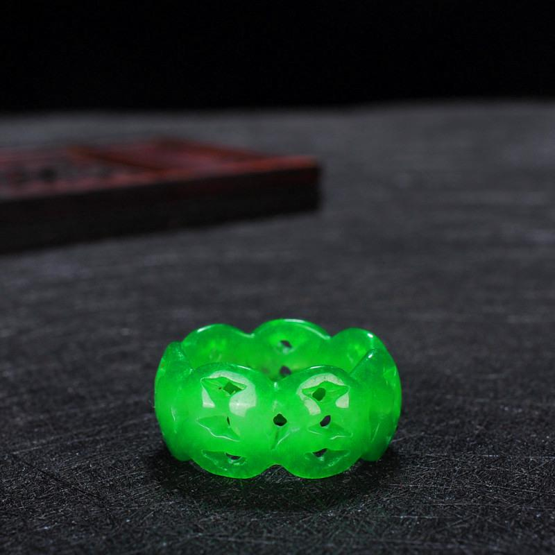 Anillo hueco de jade verde chino 8-10 Accesorios de moda de joyería del encanto Hombre tallado a mano Mujer Luck Luck Mulet regalos P15