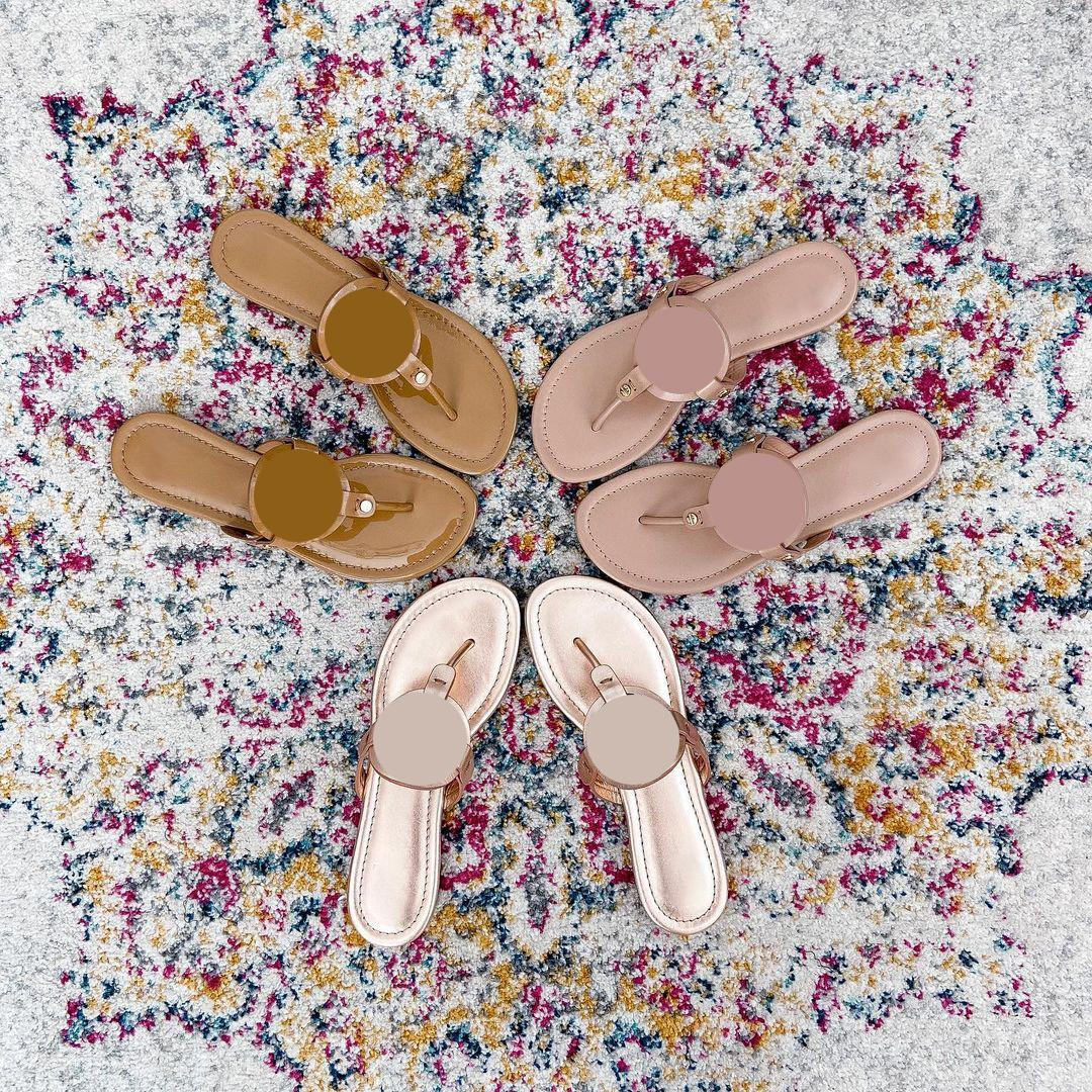 Sandales Femmes Sandales Pantoufles Plat Sandal Sandal Jolie fille Chaussures Nouvelle Belfly Arrivel Plate-forme Diaposibles Lady Flip Flops avec boîte 35-41