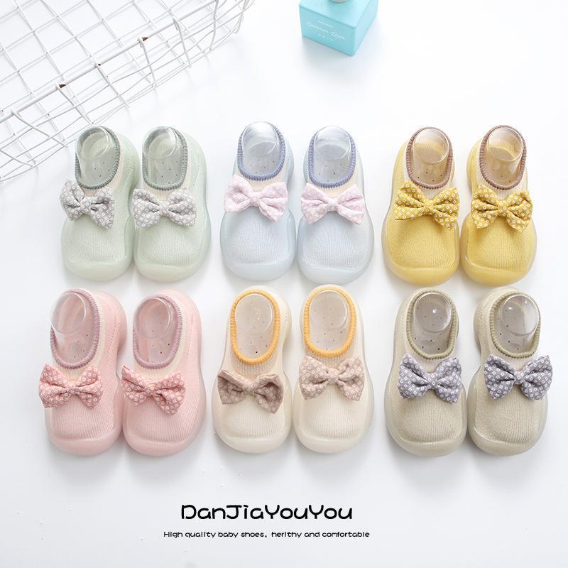 유아 양말 소년과 소녀를위한 신발 아기 봄 아이들의 귀여운 bowknot 통기성 고무 소프트 바닥 아기 첫 번째 워커