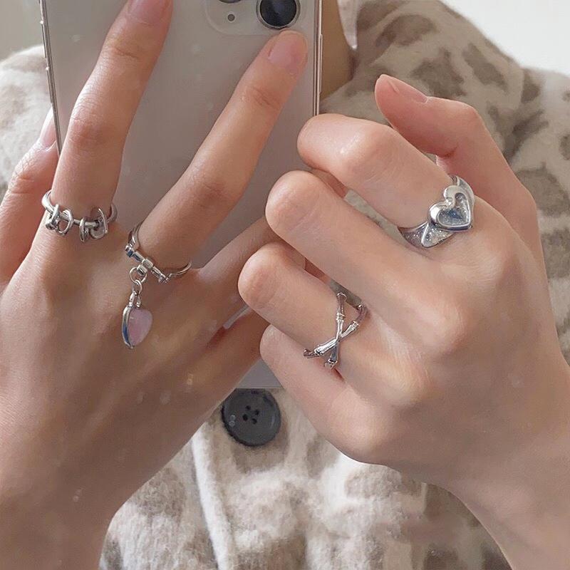 Cluster Ringe Koreanische Japan Mode Runde Herz Coole Mädchen Für Frauen Metall Geometrischen Kreis Punk Ring Charme Trendy Finger Ins
